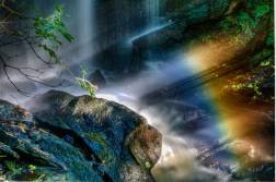 En06-Lumsdale-Waterfall-and-full-spectrum-rainbow
