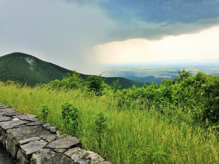 Thunder storm working up over the Shenandoah Valley